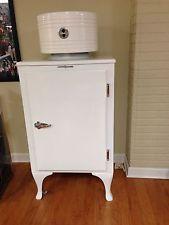 GE Refrigerator in 30s